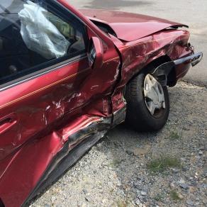 car-accident-1660670_1920
